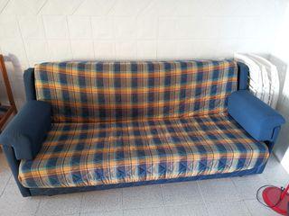 sofá cama. Cerca de plasencia (Cáceres)