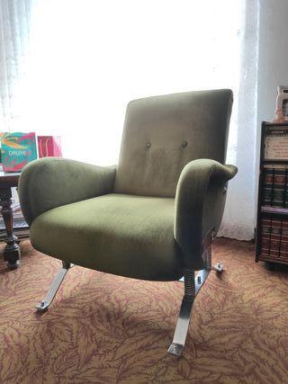 2 sillones antiguos de diseño