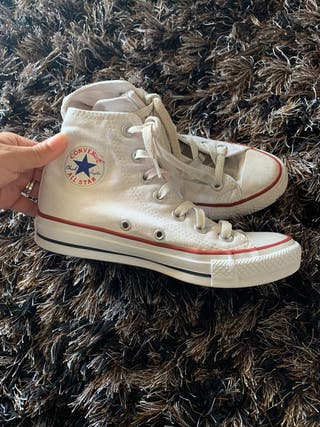 Girls Size 35 converse boots