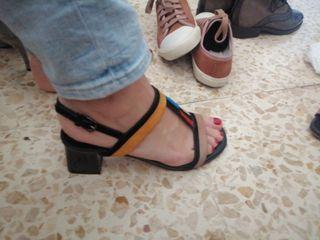 sandalia de tacon cuadrado BIBILOU