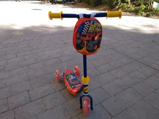 """Patinete infantil """"Blaze and the monster machines"""""""