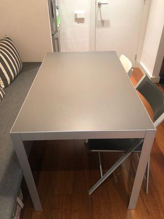 Mesa 70x120 cm + 4 sillas comedor/cocina