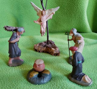 Anunciación y otras figuras para Belén