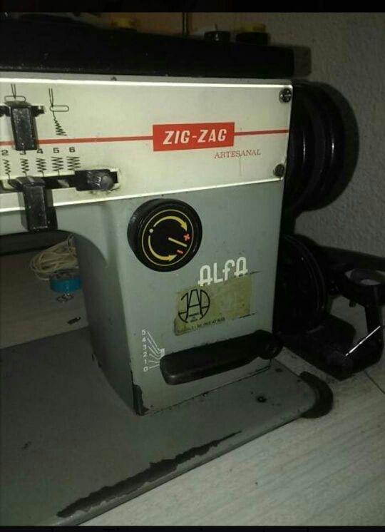 máquina ZIG ZAG