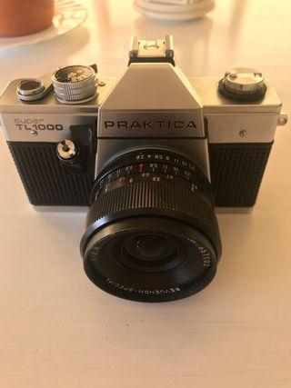 Cámara Praktica súper TL1000 + 35mm 2.8