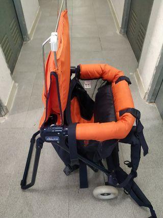 Mochila porta bebés. Regalo flotador para bebés