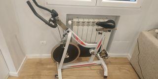 bicicleta spinning estática BH sprint 500
