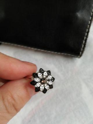 anillo plata y circonitas de 2 colores. pandora