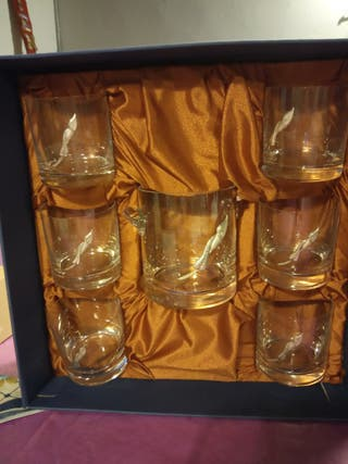 6 vasos de whisky y cubitera
