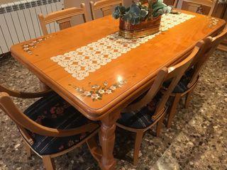 Mesa de comedor más 6 sillas