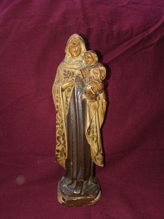 Virgen María y niño Jesús. Talla de madera