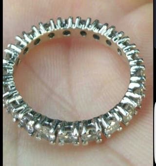 anillo oro blanco y diamantes