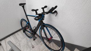 bicicleta cabra triatlón Focus izalco chrono