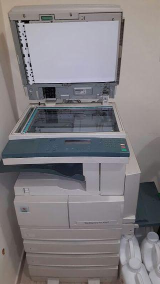 fotocopiadora / impresora .