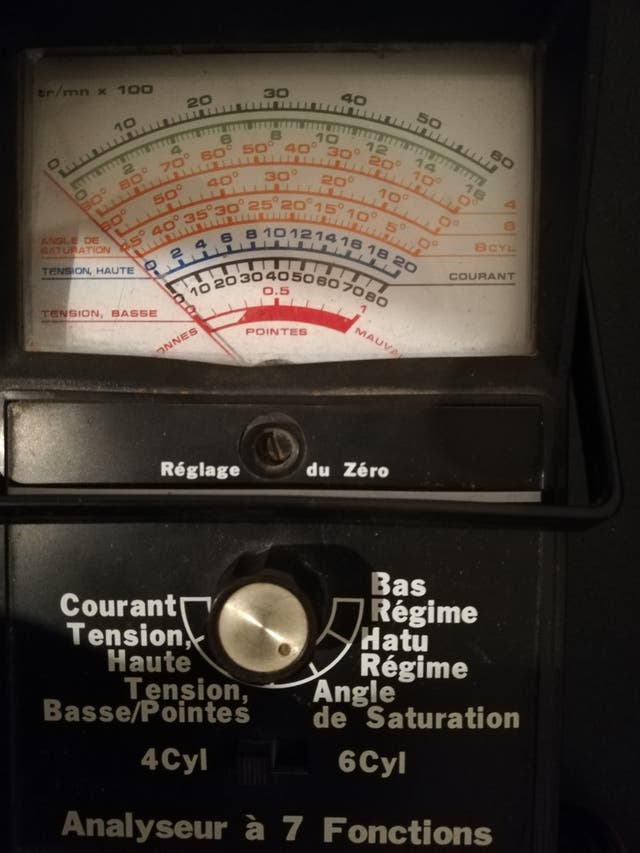 medidor de baterías analógico