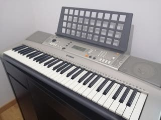 Piano electrónico YAMAHA YPT-310