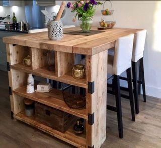 Isla cocina estantería almacenaje madera y acero