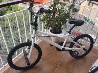 Bicicleta BMX junior