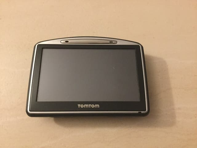 GPS TomTom GO-730.