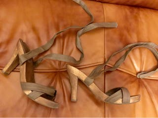 Sandalias de la marca Stradivarius.