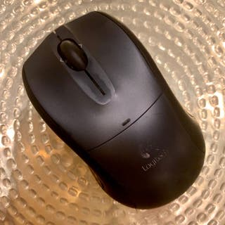 Mouse Bluetooth LOGITECH (2005)