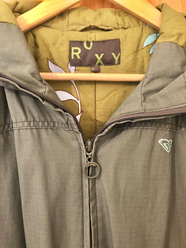 Abrigo de Roxy