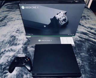 Xbox One X + 2 games