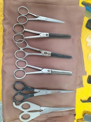 Lote de tijeras antiguas de barbero.