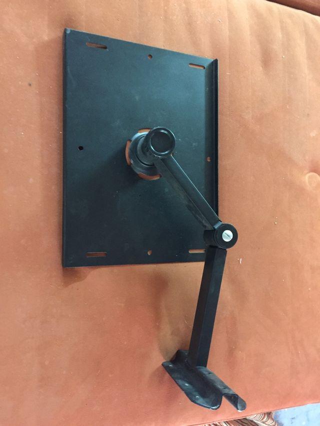 Soporte proyector/tv