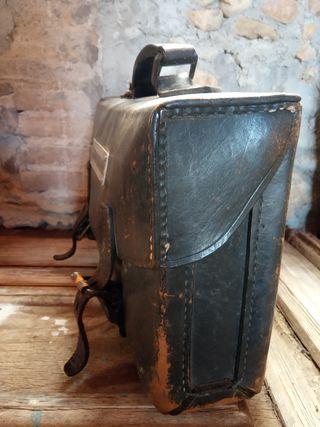 maleta antigua mecanico