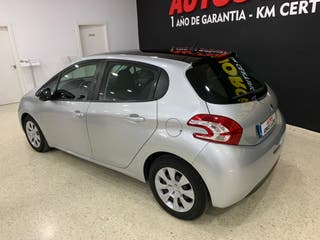 PEUGEOT 208 1.4 HDI BUSSINES LINE