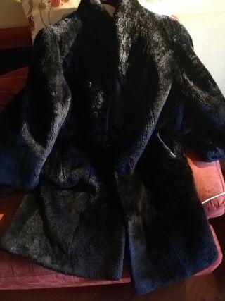 Abrigo de mujer tejido mouton