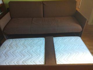 Sofá cama nido marrón. Muy poco uso. Desenfundable