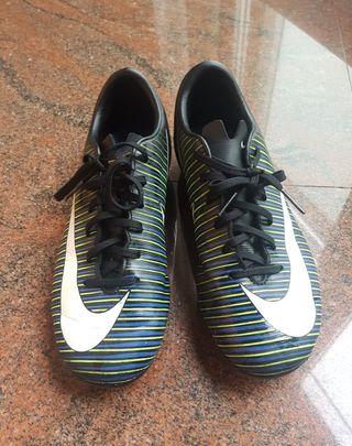 Botas de fútbol de tacos Nike 36
