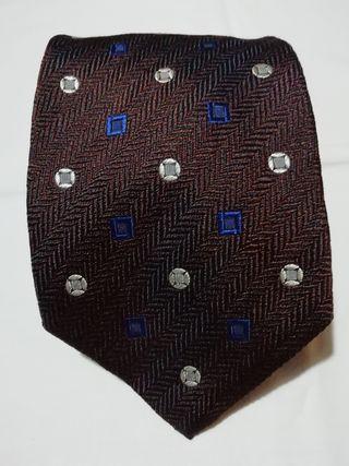 Corbata de seda Hugo Boss.