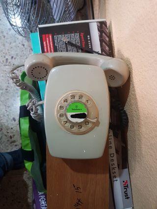 Teléfono Heraldo Mural