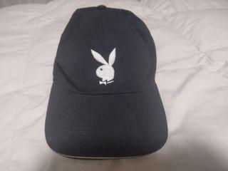 Gorra negra Playboy