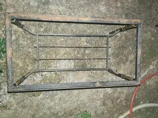 Mesa de hierro sin cristal