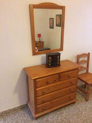 Dormitorio sin armario en provenzal