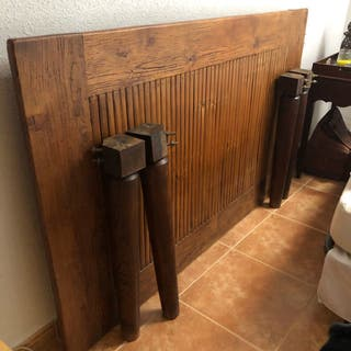 Mesa de madera maciza y bambú