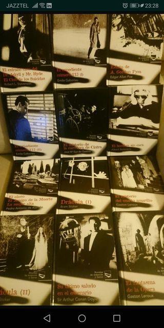 colección de libros de terror y suspense