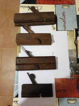 4 Antiguos cepillos de carpintero