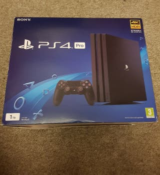 Ps4 Pro 1TB + Full VR Set + 9 games ALL BOXED
