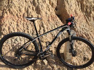 bici btt KTM 29 de carbono
