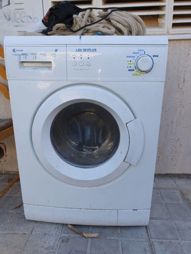 se vende lavadora esvam