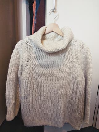 White wool jumper