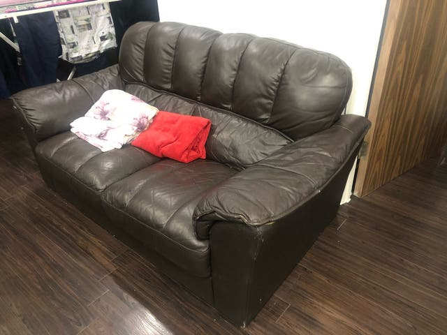 Two leather sofas (2 and 3 seats)