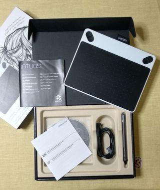 Graphics tablet / wacom intuos draw