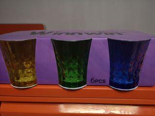 6 vasos de colores. Nuevos