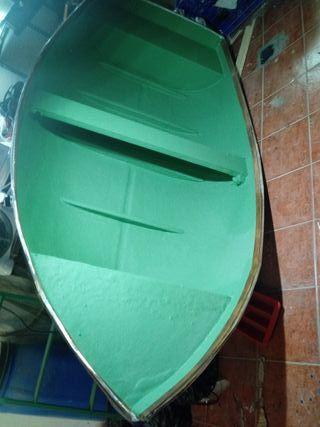 barco de fibra con motor